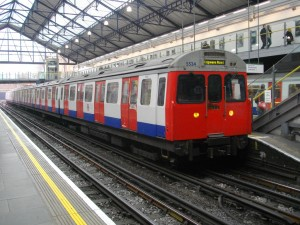 district line train at earls court 300x225 800 Kilometers In 22.5 Hours   You Better Like Travel If You Want To Travel The World