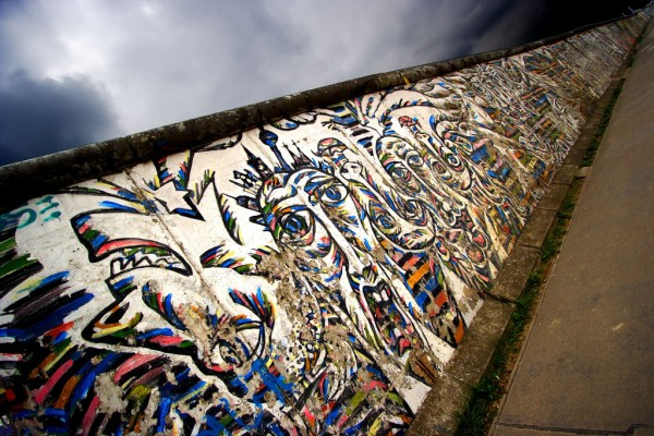 Grafiti Art on Berlin Wall