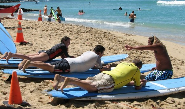 surfing lesson e1350378098863 A Flexible Schedule & Good Friends   All I Needed To Finally Learn To Surf (In Bali No less)