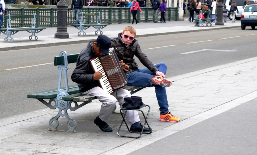 Paris Street Performance
